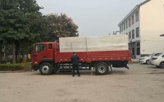 华洲数控10月21日切割猫抓板的线锯发货